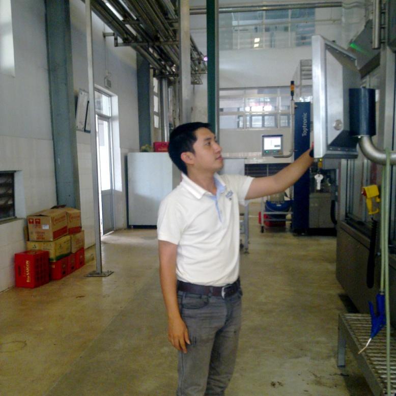 Bảo trì dây chuyền chiết chai tại nhà máy bia Sài Gòn - Daklak